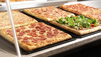 Blechpizza – vier Ecken voller Genuss