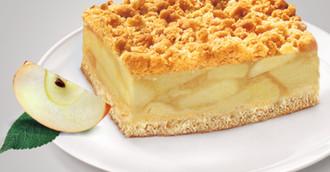 Apfel-Streusel-Blechkuchen, geschnitten